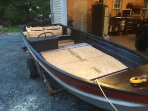 14ft aluminum boat and 20hp Mercury