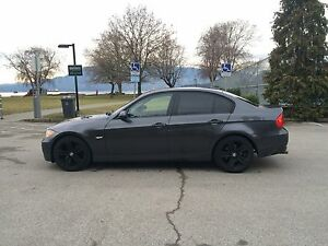 2006 BMW 325xi - All Wheel Drive - 6 Speed Manual