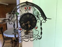 Vintage Decorative Wind Up Wall Clock working