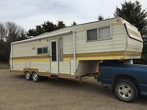 1975 Skylark 5th Wheel