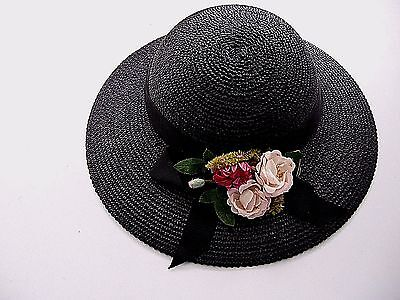 LOVELY VINTAGE 1950s WIDE BRIM BLACK STRAW HAT WITH CLUSTEROF PINK FLOWERS
