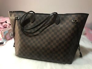 Louis Vuitton LV Neverfull tote bag size GM