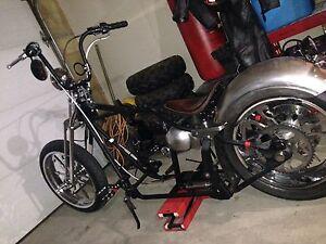 Harley chopper bobber roller softail