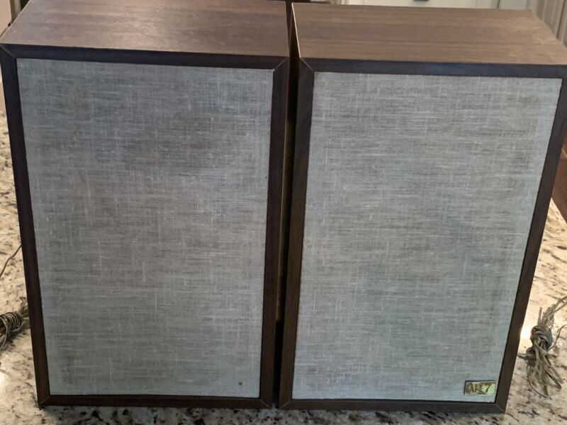 ACOUSTIC RESEARCH AR-7 SPEAKERS (2), Excellent