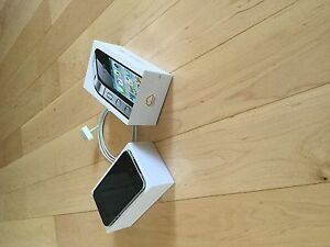 I phone 4s Mint Condition!!! *New Price* London Ontario image 1