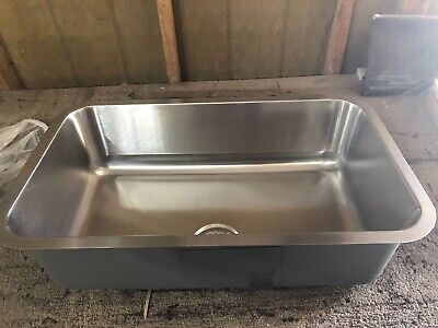 Kitchen sink stainless steel Undermount 30  long 18 inches 9 deep Brand New