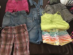 LOT GIRLS CLOTHES SIZE 4/5