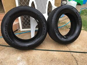 2 X Continental cross contact LX 225/65R17 tryres. Maleny Caloundra Area Preview