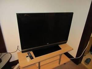 LG 42 inch LCD TV Pennant Hills Hornsby Area Preview