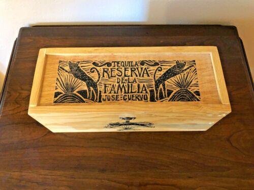 Rare Vintage Jose Cuervo Tequila Reserva De Familia Wooden Box 1995 Joel Rendon