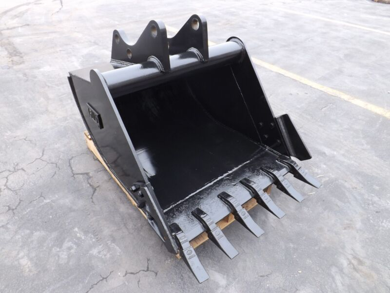 "New 36"" Backhoe Bucket For A Ford 555e"