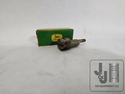 John Deere Nos F2262 Governor Lever Pivot Pin 70d 720d 730d