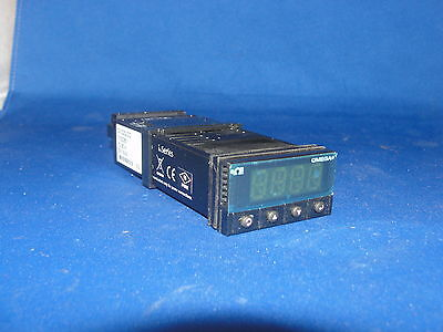 Omega Temperature Process Controller Cni3252-dc 12-36v 3w Max