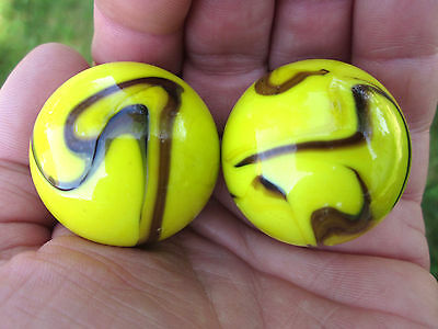2 BOULDERS 35mm BUMBLE BEE  Marbles glass ball Yellow/Brown Giant LARGE Swirl, used for sale  Shipping to Canada
