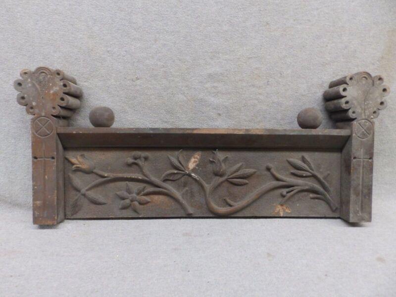 Antique Furniture Door Window Header Pediment Wood Floral Leaves Vintage 403-17R