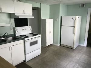 1 bedroom apartment center city available immediately