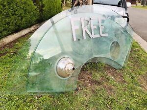FREE!! 20mm glass top/bar - Crown Casino