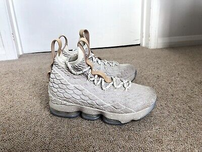 100% Authentic Nike lebron 15 Ghost Colourway Uk Size 3.5 With Air Cushioning