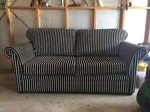 couch for immediate sale Myponga Yankalilla Area Preview