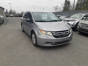 2016 Honda Odyssey SE A/C MAGS BLUETOOTH À VENIR