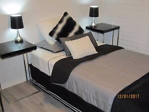 Room in Share House Merrimac - suit single professional Merrimac Gold Coast City Preview