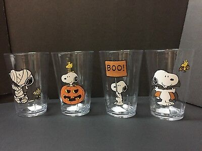 Set 4 Pottery Barn Kids HALLOWEEN Peanuts Snoopy TUMBLER Kitchen Table Party NEW](Halloween Table Setting Party)
