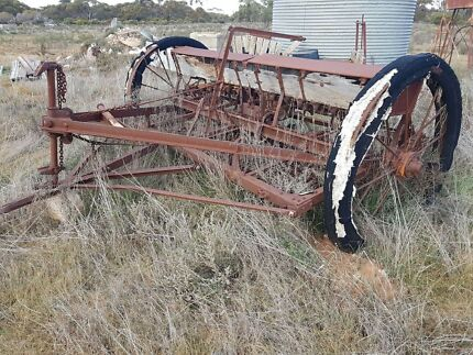 Antique seeder