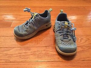 Toddler size 9 Columbia shoes