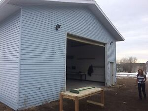 Shop For Rent in Ft Saskatchewan!!