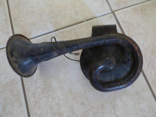 Vintage / Antique Auto Car Truck Automotive Horn Offers OK