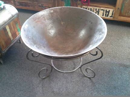Fire Pit 85cm Diameter - With stand