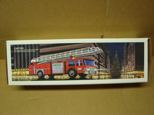1986 HESS TOY FIRE TRUCK BANK NEW MINT IN BOX