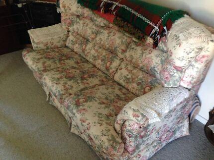 Comfortable lounges Armidale 2350 Armidale City Preview