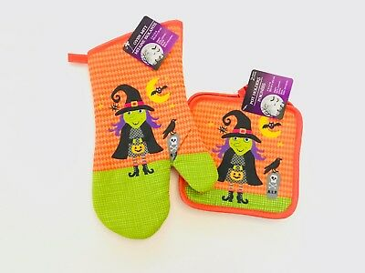 Kitchen Linen Set, Includes 2 Oven Mitts and 2 Pot Holders (Witch/Halloween)](Halloween Oven Mitts)