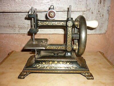 ancien petite machine a coudre mecanique en fonte Jouet ancien enfant d'occasion  Expédié en Belgium