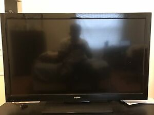 "Sanyo LCD 42"" 1080p HD TV with Tv stand"