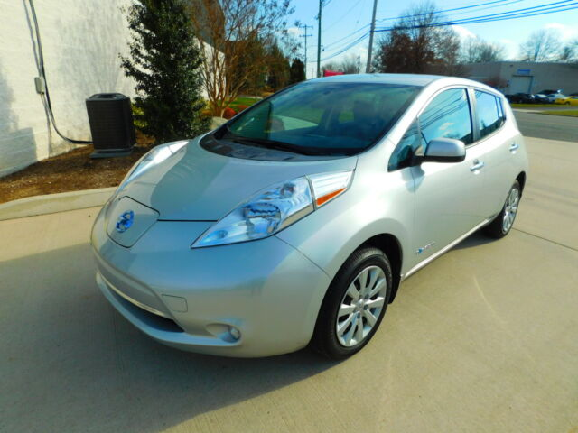 Image 1 of 2015 Nissan Leaf Silver