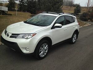 2015 Toyota RAV4 Limited - AWESOME AWD