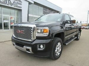 "2015 GMC SIERRA Denali-DIESEL, LEATHER, 18"" RIMS, 4X4 & NAV"
