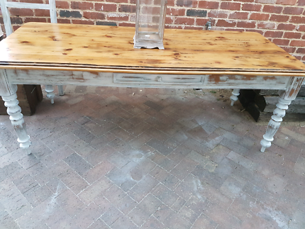 THE GREEN LOFT -  FRENCH PROVINCIAL HAMPTON STYLE DINING TABLE