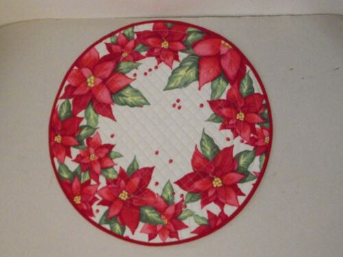 """New Trim A Home round quilted placemat 15"""" Xmas white red green Poinsettia"""