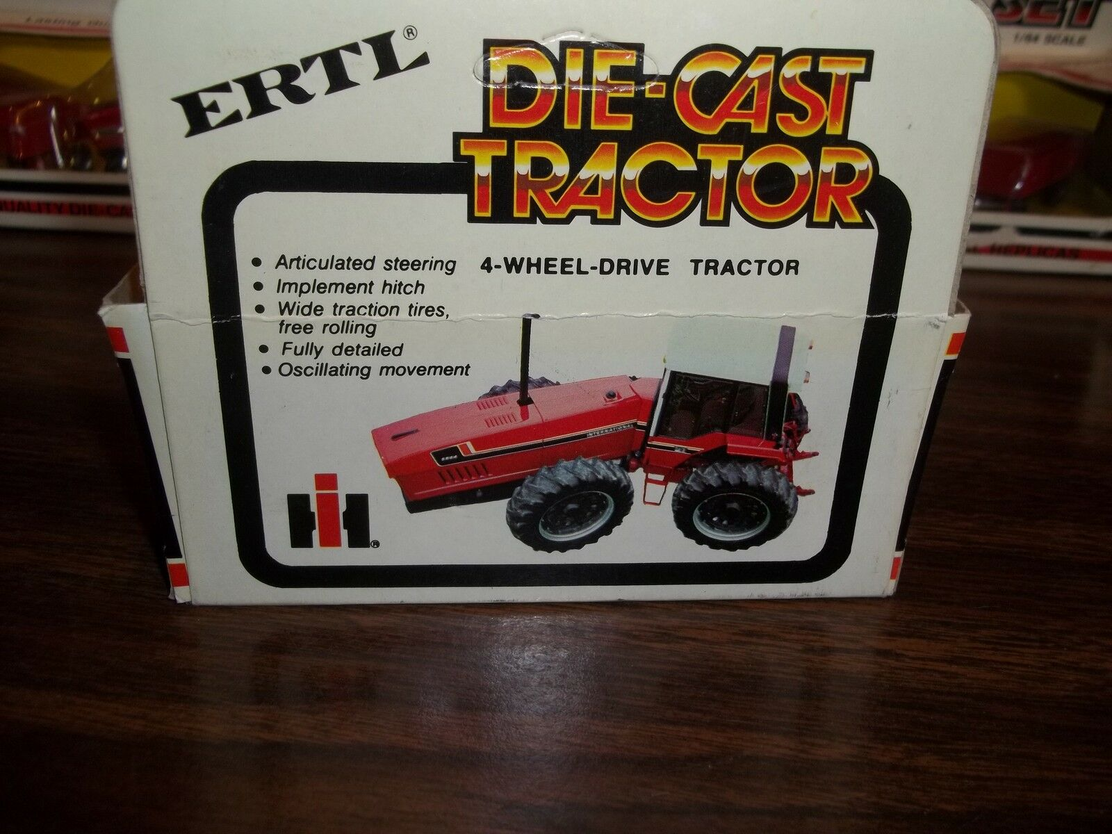 ERTL 1/64 SCALE DIE-CAST INTERNATIONAL 6388 2+2 4-WHEEL-DRIVE TRACTOR PART#1526 2