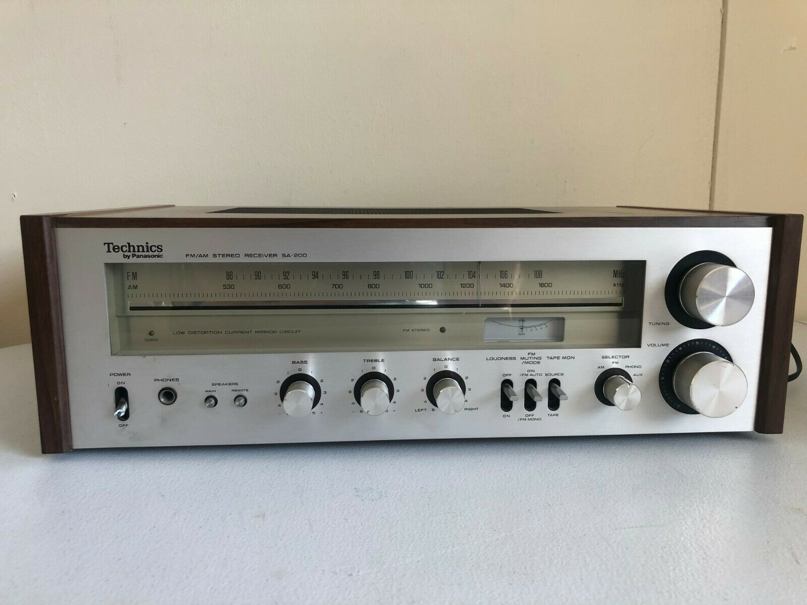 Technics SA-200 AM/FM Stereo Receiver Vintage Retro Audiophile Wood Grain