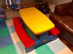 Little Tikes Easy Store Jr. kids Picnic Table & Benches.