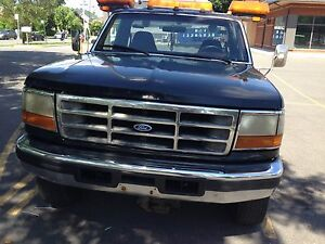 1997 Ford Towing Fsuperduty flatbed+ wheel lifter 7000$