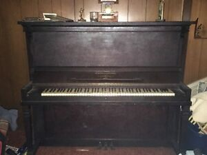 Free!!! Upright piano