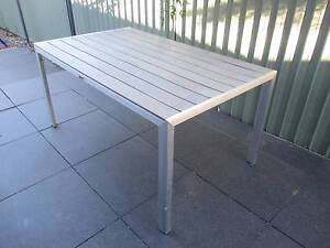 OUT DOOR DINING TABLE Curtin Woden Valley Preview
