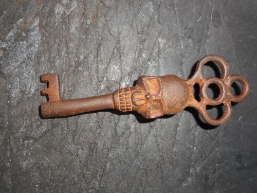 Antique Style Skull Head Iron Skeleton Key