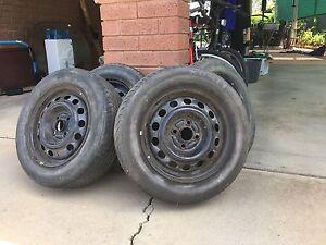 4x 4 stud tyres Wodonga Wodonga Area Preview