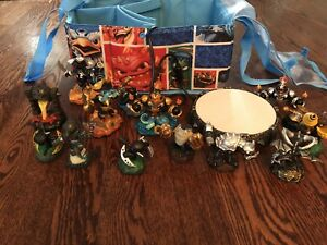 Sky lander Swap Force  Set with Skylander  Bag